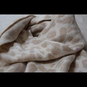 Cozy Leopard Print Scarf
